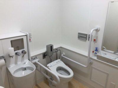 下北小学校トイレの改修工事が完了しました!