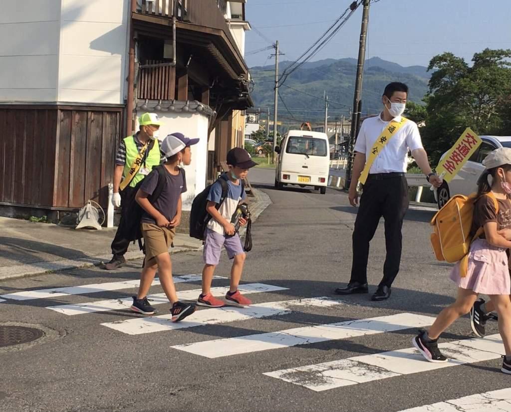 地域での「交通見守り」と「にこにこあいさつ運動」を通して感じること