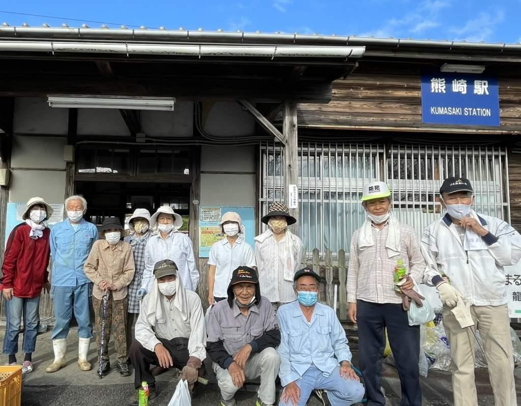 9月19日老友会のみなさんとJR藤崎駅の清掃をしました